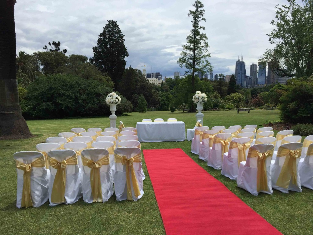 garden chairs with covers and sashes weddings of distinction. Black Bedroom Furniture Sets. Home Design Ideas